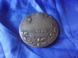 MIROIR DE POCHE  ANCIEN ART NOUVEAU SIGNE SUSSE 14 AVRIL DECOR RAISIN - Silverware
