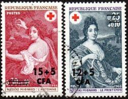 Réunion Obl. N° 381 Et 382 Croix Rouge 68 - Oeuvres De Nicolas Mignard - Isola Di Rèunion (1852-1975)