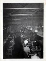 Photo Originale B.B. USA Industrie Et Vue Plongée Sur Des Ouvriers D'Usine à Leur Poste De Travail Vers 1950/60 - Métiers