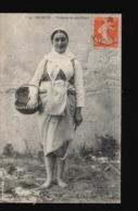 17/102......ILE DE RE ...PECHEUSES DE COQUILLAGES - France