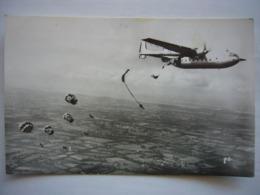 Avion / Airplane / ARMEE DE L'AIR FRANCAISE / Nord Atlas / Largage De Parachutistes - 1946-....: Ere Moderne
