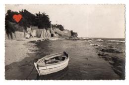 33435-ZE-83-FONTBRUN-CARQUEIRANNE-La Plage De L' Escapade------------barque - Carqueiranne