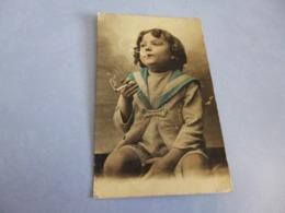 BELLE PETITE FILLE ...FUMANT UNE CIGARETTE - Cartes Humoristiques