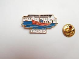 Beau Pin's En Relief , Ville De Le Croisic , Bateau Pêche , Loire Atlantique - Villes