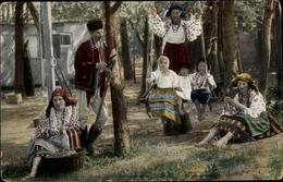 Cp Ungarn Oder Rumänien, Bauerntypen In Trachten - Costumes