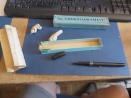 Stylo Plume CHANCELLOR-SAFETY,PLUME OR,plume Retractable,et Fonctionne - Pens