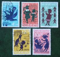 Kinderzegels, Child Welfare Kinder Enfant NVPH 802-806 (Mi 808-812) 1963 Gestempeld / USED NEDERLAND / NIEDERLANDE - 1949-1980 (Juliana)