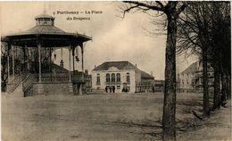 CPA PARTHENAY - Place Du Drapeau (297424) - Parthenay