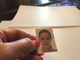 Photo Identité  Couleur Enfant Garçon Photo En Couleur Portrait Enfants Fille - Personnes Anonymes