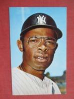 Horace Clarke    NY Yankees >>ref 3632 - Baseball