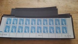 LOT 471784 TIMBRE DE FRANCE NEUF** LUXE  COIN DATE FACIALE 4,2 EUROS BLOC - France