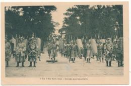 HUE - Fête Nam Giao, Danses Aux Boucliers - Viêt-Nam