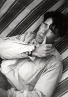 Photo Originale Gay & Playboy - Quand Tu As Le Nez Qui Te Gratte, Eh Bien Tu Le Grattes ! 1940/50 - Personnes Anonymes