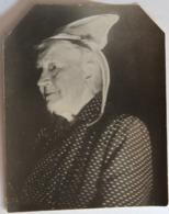 Photo Originale Femme Bretonne Coiffe Folklore Costume Traditionnel Bretagne - Personnes Anonymes