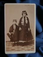 Photo CDV Richard Noodt (Hamburg) - Couple D'enfants, Chapeau Et Manteau Circa 1865 L464A - Photographs