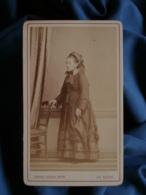 Photo CDV Réxès Au Hâvre - Femme En Pied, Chapeau, Ombrelle, Circa 1870-75 L464A - Oud (voor 1900)