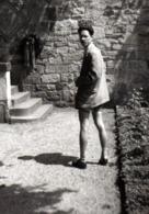 Photo Originale Playboy Sexy En Short & Veste De Costume Vers 1960 - Personnes Anonymes