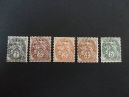 N° 107-108-109-110-111- Neuf - 1900-29 Blanc