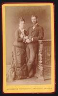 CDV FOTO +- 1870  10.5 X 6.5 CM - FOTOGRAAF  - PHOTOGRAPHIE ARTISTIQUE  ANTWERPEN    - 2 SCANS - Photographs