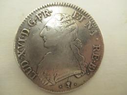 Un Ecu LOUIS XVI - 1775 En Argent  - Monté  En Broche - Vendu   En L'etat - Armes Neutralisées