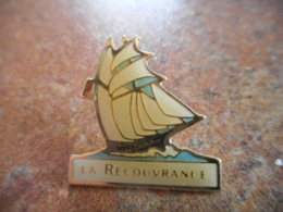 A043 -- Pin's La Recouvrance - Barcos