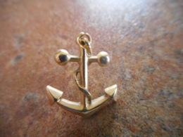 A043 -- Pin's Ancre Marine - Barcos