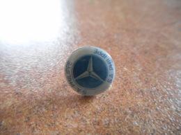 A044 -- Pin's Mercedes SA Philippe - Mercedes