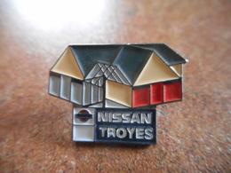 A044 -- Pin's Nissan Troyes -- Dernier Vendu 07/2016 - Pin's