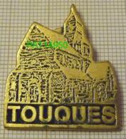 TOUQUES Près De Deauville  EGLISE ST PIERRE Du XI Eme Siécle Dpt 14 CALVADOS - Ciudades