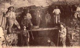 Mines De DOURGES (59) Fosse 2 Maçons Et Mineurs Dans Une Bowette - Mines