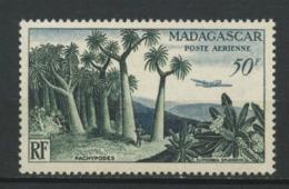 MADAGASCAR 1954 PA N° 75 ** Neuf MNH  Superbe C 6,30 € Forêt De Pachypodes Arbres Avions Trees Planes - Poste Aérienne