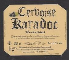 Etiquette De Cervoise Blanche Cassis - Karadoc -  Brasserie Du Houblon Gourmand à Nanteuil La Fosse  (02) - Bière