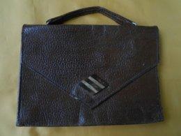 Sac  - Petit Sac Ou Pochette Ancien Cuir 19 X 13,5 Cms - - Purses & Bags