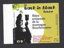 Etiquette De Bière Brune - La Black In Black 25 Cl  - Microbrasserie De Saint Nicolas De Biefs  (03) - Bière