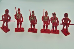 Cherilea Toys , Waterloo 6 British Soldiers, Made In Gt Britain, Vintage, Lot - Figurines