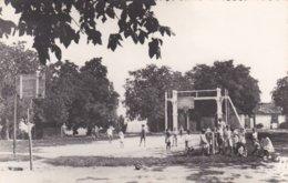 47-----CASTILLONNES---terrain Des Sports---( Enfants Garçons Filles )--voir 2 Scans - France