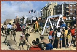 59   CPSM Petit Format    BRAY-DUNES   La Plage   Joli Plan Animé     Très Bon état - Bray-Dunes