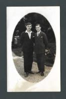 PHOTO Carte Deux Beaux Jeunes Hommes Young Men Gay Interest Duo élégant Dandy Chic - Photos