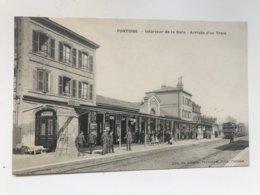 Carte Postale Ancienne PONTOISE Intérieur De La Gare  - Arrivée D'un Train - Pontoise