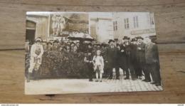 Carte Photo Regroupement Devant Café Des ARTS, A Gauche COLAS,  A Situer  …... … MU-3048 - Zu Identifizieren