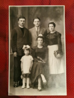 Carte Photo * Thème Costume Et Coiffe * Famille Du Photographe Bocoyran Brest - Personnes Anonymes