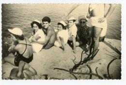 Femme Woman Man Homme Plage Drague Vacances Love Amour Torse Nu Tourisme Bon Temps Sexy Maillot Bain Mer Ocean Groupe - Personnes Anonymes