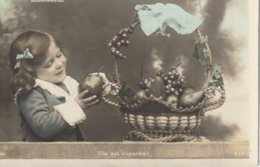 Young Girl Examining Some Fruits Or Vegetables  Elle Est Superbe!   Gourmandise - Children And Family Groups