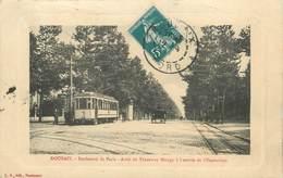 """/ CPA FRANCE 59 """"Roubaix, Bld De Paris, Arrêt Du Tramway Mongy"""" - Roubaix"""