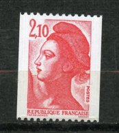 France, Yvert 2322c**, Spink/Maury 2331c**, Liberté 2f10 Rouge Roulette N° Rouge Gomme Brillante , MNH - Variétés Et Curiosités