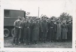 Photos - Originale - Soldats Luftwaffe - Rassemblement Pour Le Repas - 2 GM - 10x7 Cm - Guerre, Militaire