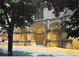 [33] Gironde  GUITRES L'entrée De  L'Eglise Romane Et Gothique  *PRIX FIXE - France