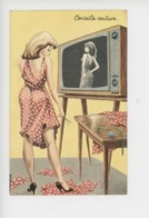 Conseils Couture : Minijupe, Télévision, Pin-up (cp Vierge N°30311) - Humour