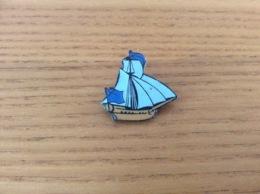 Pin's, épinglette «Voilier» Type 1 - Barcos
