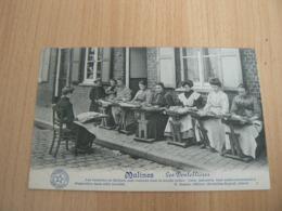 T88 / BELGIQUE /  MALINES LES DENTELIERES / CARTE NEUVE - Malines